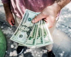How Does Reinstatement And Payoff Affect A Florida Homeowner In Foreclosure